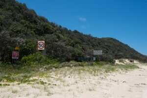 teewah beach speed limit